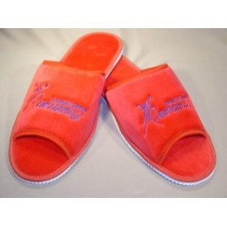 Slippers with Henzely red logo